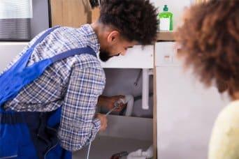 Otpušavanje sudopere sajlom